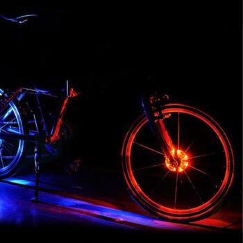 Alámpa több szanben világít és több funkció közül is választhatsz. Villogás, pulzáló, szanváltós vagy egyszínű világítások között.