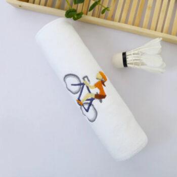 Fehér kerékpáros sport törülköző