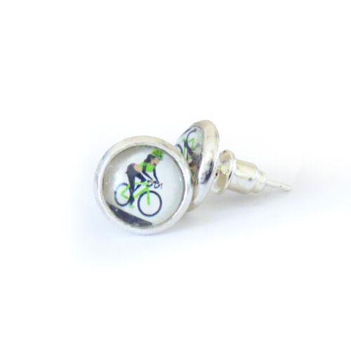 Kézzel készített kerékpáros fülbevaló zöld színben