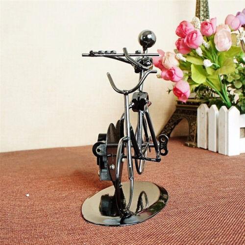 Zenélő kerékpáros dísztárgy